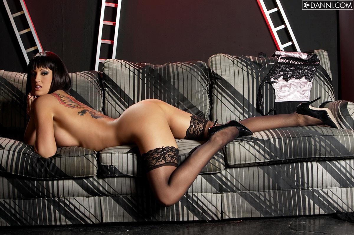 Vamp lady nued foto naked scene