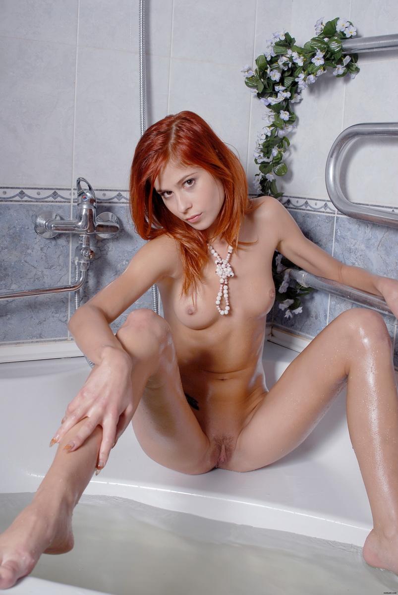 Худая сисястая рыжая порно онлайн